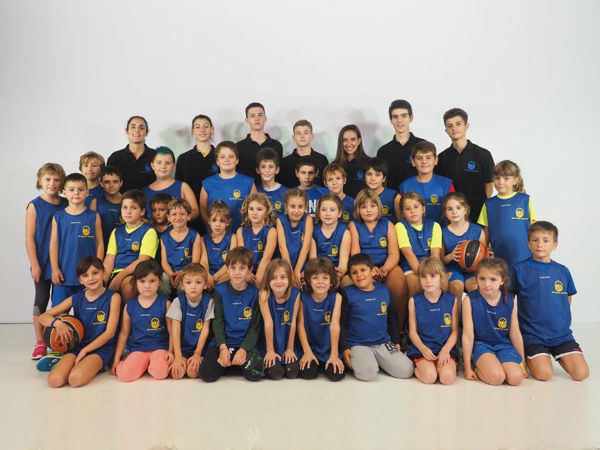 Escola de bàsquet mixte