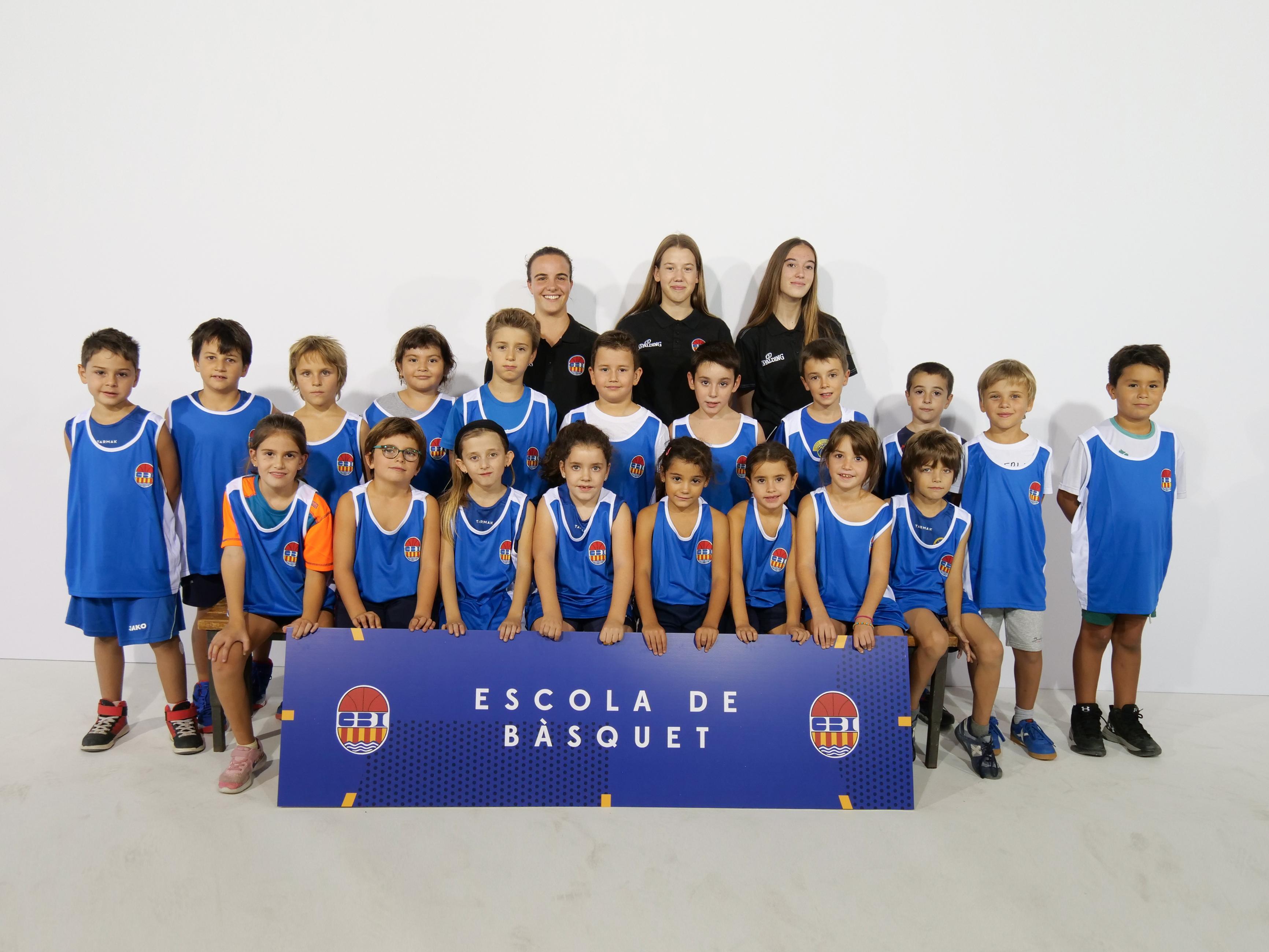 Escola de bàsquet Mitjans mixte
