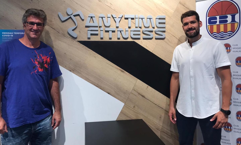 El gimnàs Anytime Fitness Igualada, renova com a patrocinador del primer equip femení.