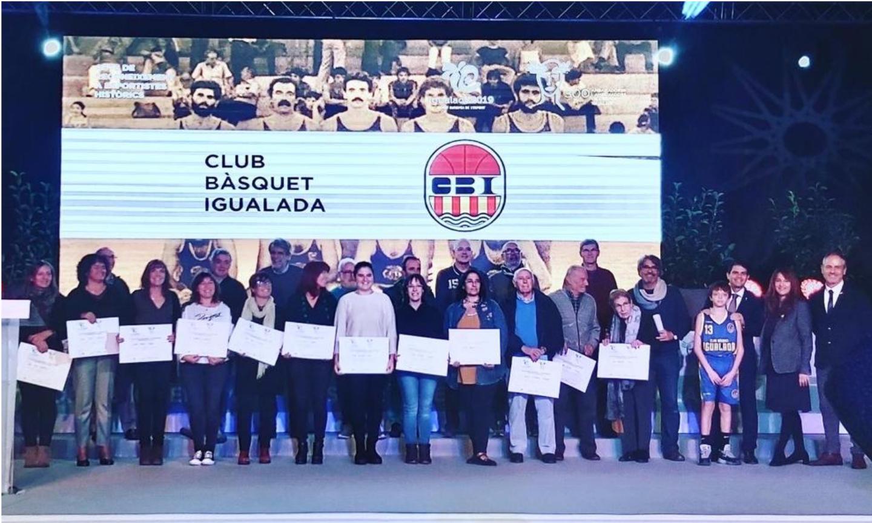 Homenatge als esportistes històrics del club